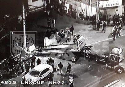Choca tráiler contra varios autos en la México-Cuernavaca, hay lesionados